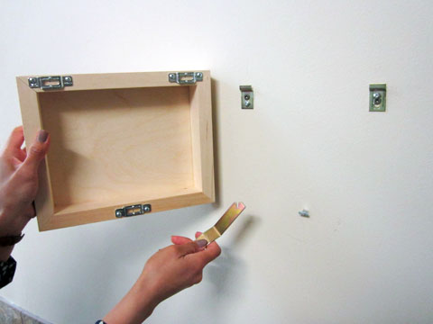 How To Install A Secure T Hanging System For Metal Frames Usa
